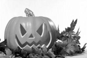 GraphicsByLiz_HalloweenPumpkinWithLeaves_Aug2008_thumbnail