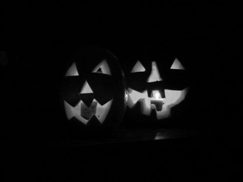 GraphicsByLiz_Halloween_pumpkins_Candles_Aug2008